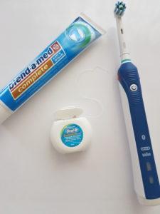 Das perfekte Trio: Die Braun Oral-B Smart Series 4000 Cross Action, Zahnseide und Zahnpasta :D