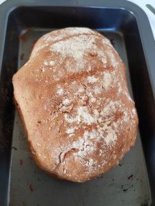Brot selbst backen Selbst gebacken schmeckt eh am Besten :)